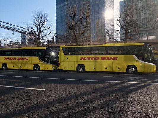 出番を待つはとバス