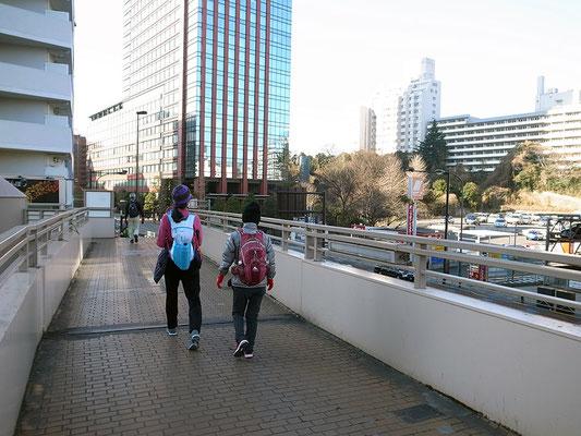 第一京浜を一路品川駅へ。