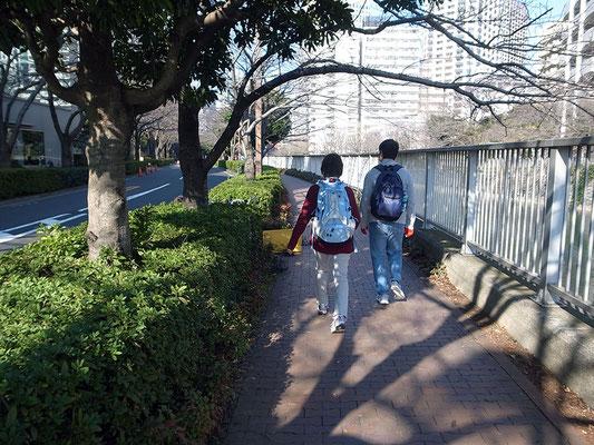 目黒川沿いの遊歩道。