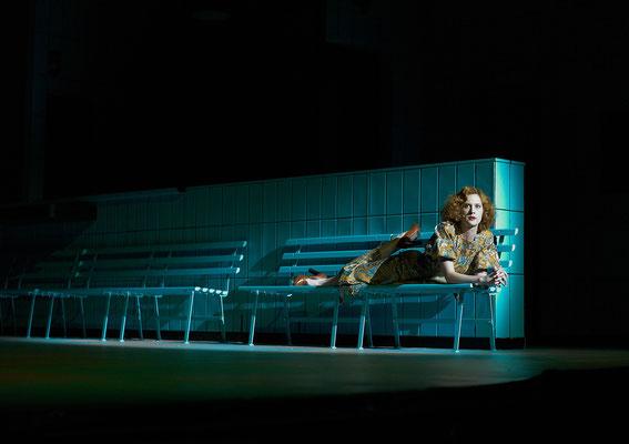 """"""" Wartesaal """" von Stefan Pucher, Münchner Kammerspiele Foto: Hans Kopp"""