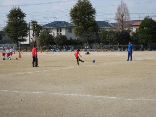 3年生チームにも体験サッカーの参加者です!