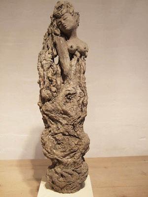 Apsara (Keramik auf Holz)