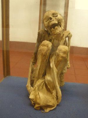 Momia custodiada en el Museo de Chachapoyas