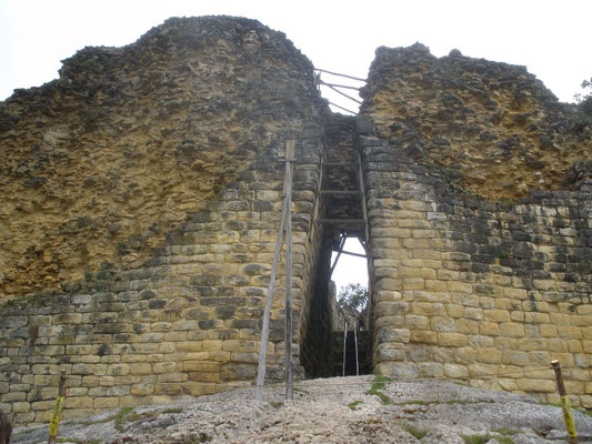 Acceso a Fortaleza de Kuelap