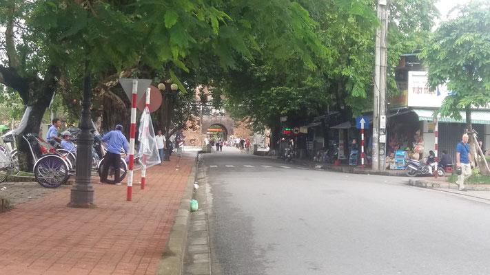 Calle solitaria en Hue