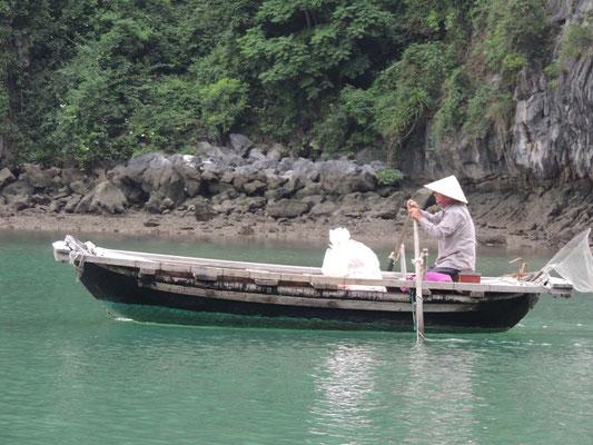 Pescador en su barca