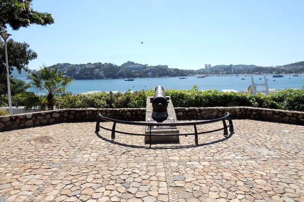 Protegiendo la Bahia de Acapulco
