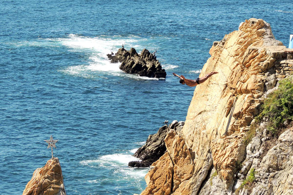 Clavadista Saltando