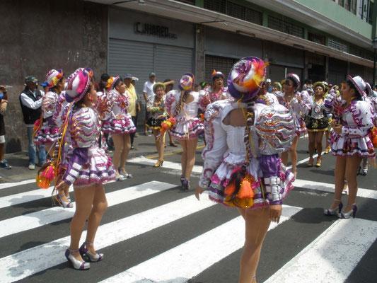 Desfile de Carnaval en Lima