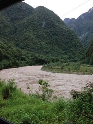 Rio Vilcanota cerca de Aguas Calientes