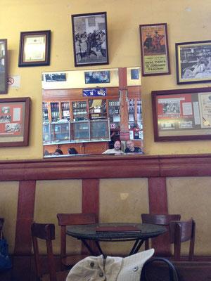 Interior de Bar Cordano en la Lima Historica