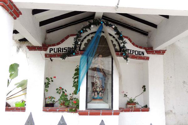 Altar en calle de Taxco