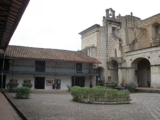 Interior del Hospital de Hombre en Cajamarca