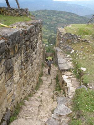 Intrincado acceso a fortaleza de Kuelap