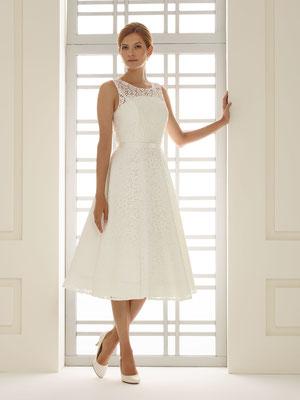 Vintage Brautkleid in 3/4 Länge aus hochwertiger Spitze