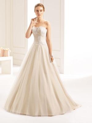 Duchesse-Linie Brautkleid aus hochwertiger Spitze und Stretch Tüll mit Schleppe