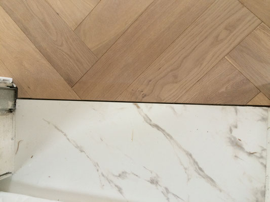 Détail seuil marbre