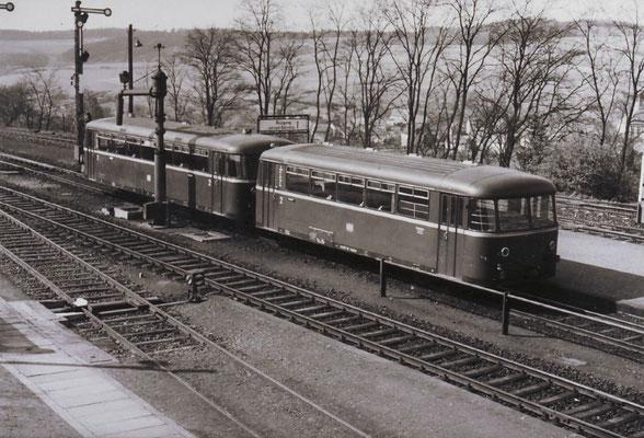 Schienenbus auf der Weiltalbahn; ©Geschichts- und Heimatverein Rohnstadt, Wolfgang Metzler