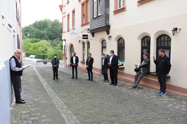 Joachim Warlies, Pfarrer Hans Mayer, Bürgermeister Dr. Johannes Hanisch, Christian Radkovsky, Bruno Götz, Hans-Peter Schick, Ralph Gorenflo und Ido Michel – Foto:  © Margit Bach