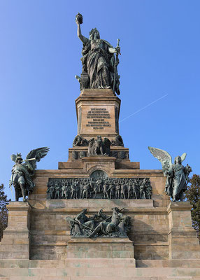 Das Niederwalddenkmal nahe Rüdesheim am Rhein, Bild: Martin Kraft (photo.martinkraft.com) Lizenz: CC BY-SA 3.0 via Wikimedia Commons