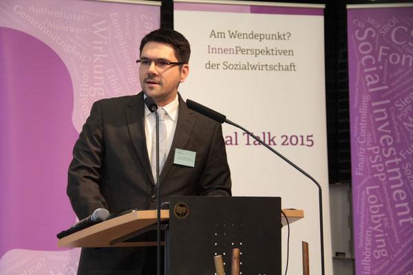 Begrüßung durch Prof. Dr. Michael Vilain (Geschäftsführender Direktor des IZGS). [Social Talk 2015] © Ehrig