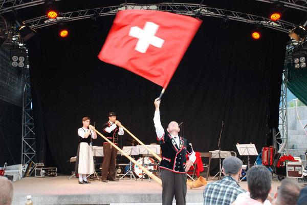 Folkolore Abend - Alphornbläser & Fahnenschwinger