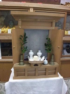 御霊神社の福禄寿。御簾の中に・・・