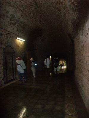 現在では「愛のトンネル」とか・・若者たちに人気?