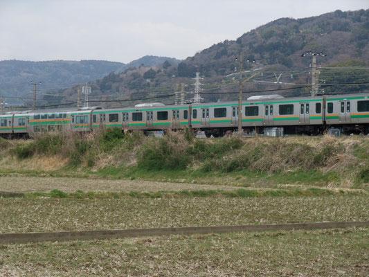 御殿場線に車線区に入る湘南電車