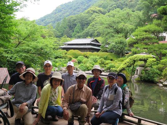 ガイド府川さんの計らいで特別にお庭を拝見できました 感謝!