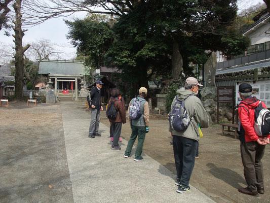 菅原神社にて遅い昼食