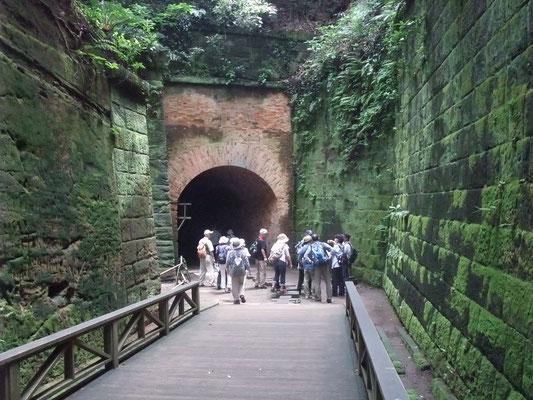 レンガ造りのトンネルとして日本で最も古い建造物の1つ。