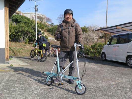 折り畳み自転車「CARRY ME」タイヤは何と8インチ!