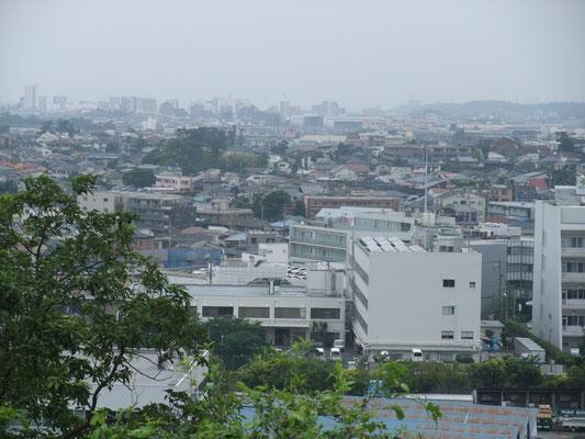 藤沢駅方向を見る