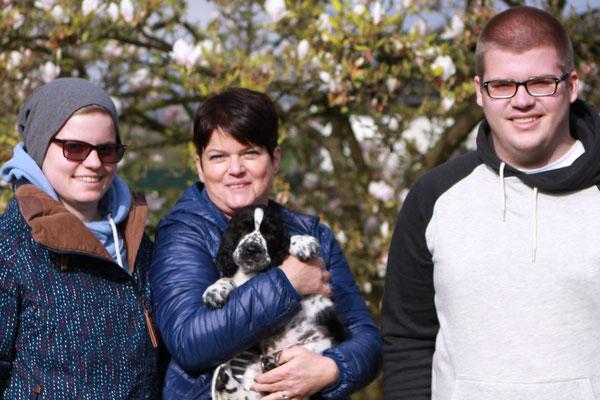 Fly zieht nach Neufeld/Leitha in Österreich und wird Schulhund