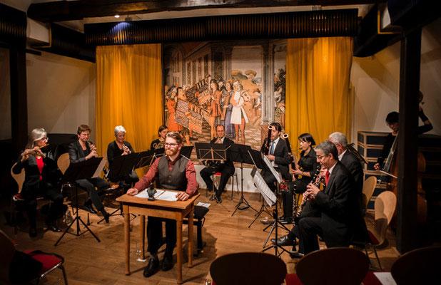 Ensemble ArtCollage, Moderation: John Wesley Zielmann. Foto: Klaus Hansen