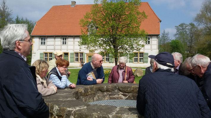 Besuch Stadtarchiv Spenge im Torhaus der Werbung (2017), Foto: Andreas Niehaus
