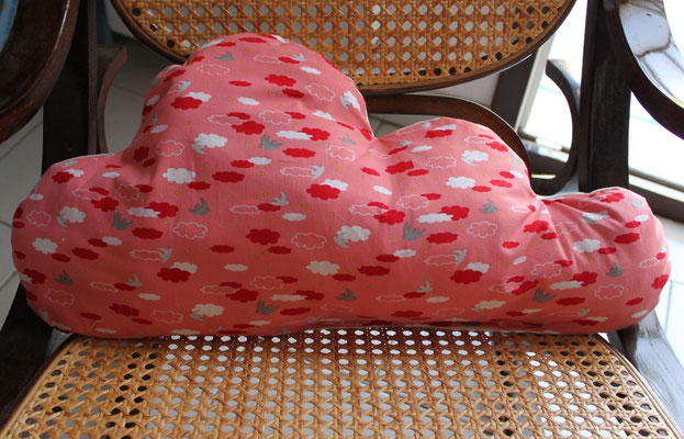 "Coussin nuage ""In The Sky"""