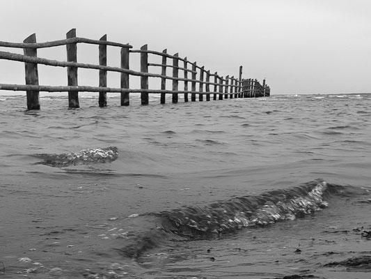 Wellen am Strand / Ostsee