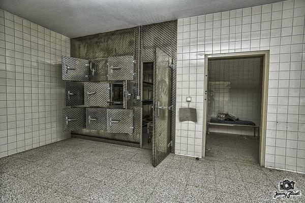 Hospital B. (AT)