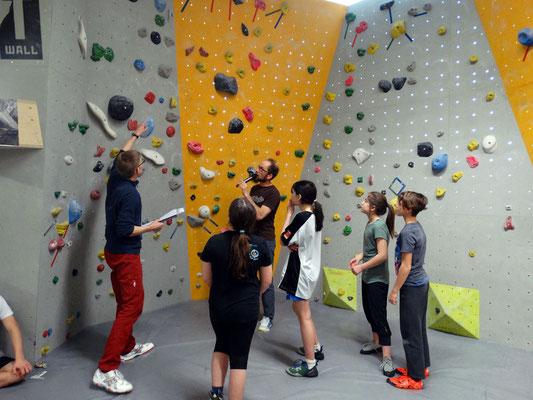 Kleine Mädchen: Welche Routen sind zu klettern?