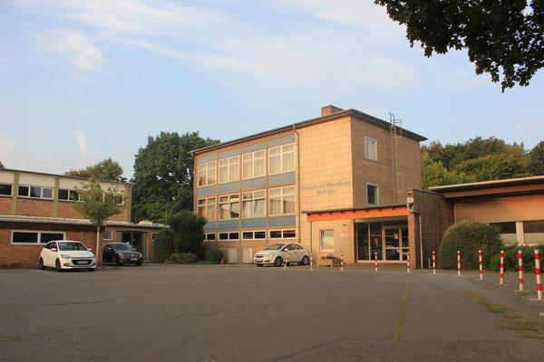 Ansicht des Schulgebäudes