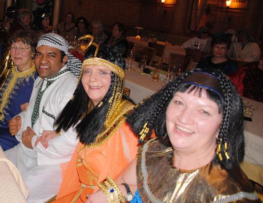 Kleopatras in guter Gesellschaft