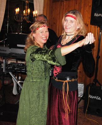 Frauen tanzen gerne