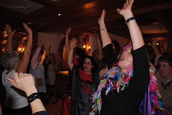 Zum feiern und tanzen bietet der Fasching reichlich Gelegenheit