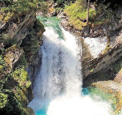 Der sagenhafte Wasserfall in Aschau inmitten der Kitzbüheler Alpen