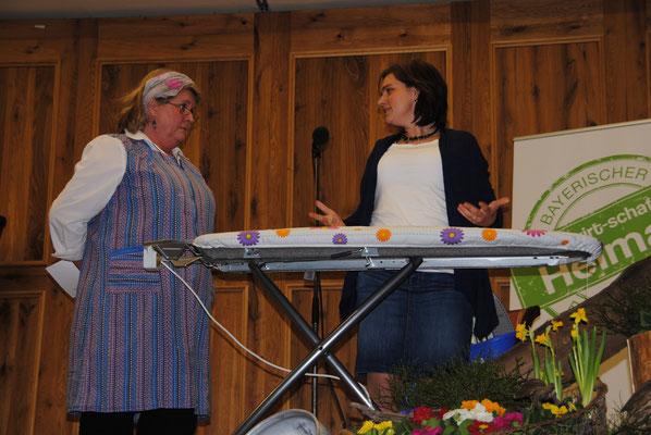 Diverse Darbietungen sorgen für Heiterkeit beim Landfrauentag