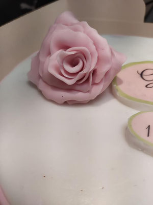 gâteau-fiançailles-tonka-croix-rousse