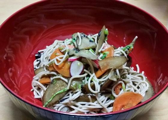 糸蕎麦サラダ
