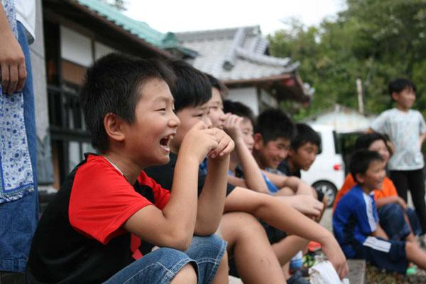 今年も沢山の子供たちがお寺で遊んでくれました。